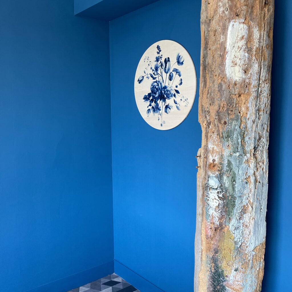 Dutch Sprinkles muurcirkel Delfts blauwe bloemen op hout - Studio Amke